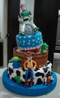 Toy Story Cake - Austin would flip out if he saw this lol ! I am going to see if I can find someone around here to make this for him!ggvbjjcvhccghjkgffjjhkffjytrgu5ttrvhtrbgfddrssssad rfzxgxffsddsaasdd