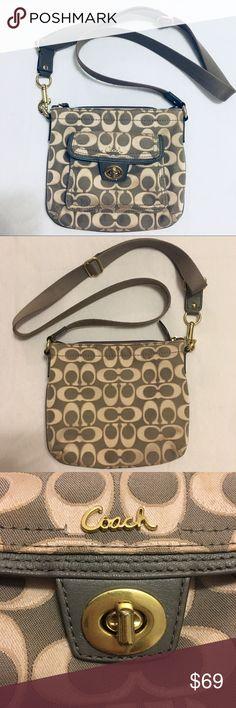 0737ed78616 Beautiful Coach Crossbody Bag❤ This beautiful bag isn't new but it's in