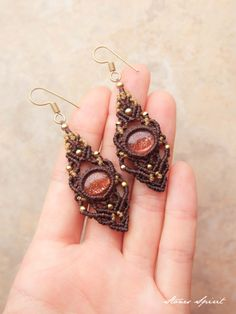 Macrame earrings Sunstone (India / Rajasthan production) STONES SPIRIT Stone × macrame × healing jewelry shop