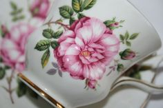 Royal Crafton Gorgeous English vintage teacup with door HomiArticles