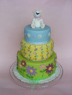 White teddy bear cake by bubolinkata, via Flickr