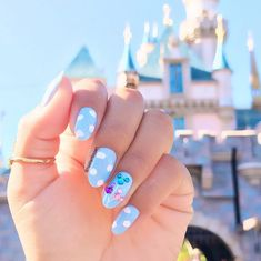 disney nail designs These Disney nail art ideas are totally MAGICAL! From Princesses and Minnie Mouse to Toy Story and the Lion King so many great ideas here to try yourself! Nail Art Disney, Disney Acrylic Nails, Disney Nail Designs, Summer Acrylic Nails, Cute Acrylic Nails, Cute Nail Designs, Acrylic Nail Designs, Cute Nails, Pretty Nails