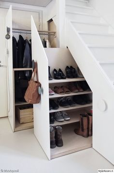storage, storage solutions, cupboard, stairs, stairs, loss of squares, entrance hall, DIY, Do it - DIY, coat rack, a staircase, the space utilization, spreading out, hidden, shoe cabinet, shoe rack, shoe storage shoe storage