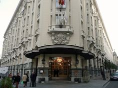Check out The Westin Palace Madrid http://www.gogobot.com/the-westin-palace-madrid-madrid-hotel