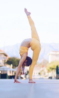 Dance Picture Poses, Dance Poses, Dance Pictures, Summer Pictures, Summer Pics, Amazing Dance Photography, Anna Mcnulty, Gymnastics Skills, Amazing Gymnastics