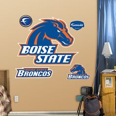 Boise State Broncos Logo  I want to re do my sons room in Boise State!