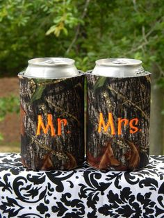 Mossy Oak camo wedding koozies  Custom monogrammed by doodlegirls,  Keywords: #camoweddings #jevelweddingplanning Follow Us: www.jevelweddingplanning.com  www.facebook.com/jevelweddingplanning/