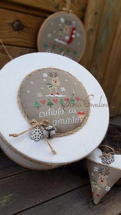 Sara Creations - Cutie amintiri si inimioara brodata manual - Christmas cross stitch box & heart - Make it a December to remember