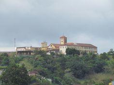 Vista do Colégio Santa Rita em Areia, Paraíba. A cidade localiza-se no alto da Serra da Borborema e era ponto de passagem dos tropeiros que se dirigiam ao interior do estado.