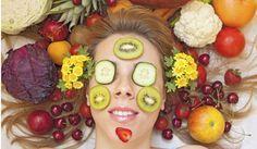 Tee-se-itse kasvonaamio keittiön antimista! http://www.kauneusjaterveys.fi/kauneus-tyyli/iho-vartalo/tee-se-itse-kasvonaamio-keittion-antimista