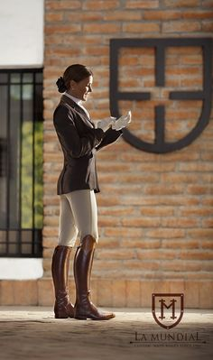 Great equestrian style!