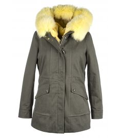PARKA WITH  YELLOW FOX-RABBIT VEST. ONLINE PURCHASE: www.cigdemmalkoc.com #parka #fashion #cigdemmalkoc #fox #furparka