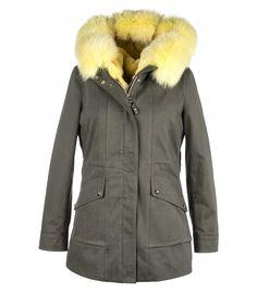 PARKA WITH  YELLOW FOX-RABBIT VEST. ONLINE PURCHASE: www.cigdemmalkoc.com #parka #fashion #cigdemmalkoc #fox #furparka