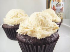 """I do adore anything that qualifies as """"retro,"""" from neon signage, to clothes, to cupcake flavors. When I sawBrownEyedBaker's Rootbeer Floa..."""