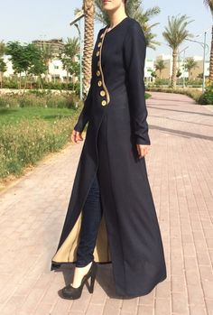 Grey and beige double-sided abaya. This abaya features hidden push-buttons front fastening and decorative buttons. Abaya Fashion, Modest Fashion, Girl Fashion, Fashion Dresses, Fashion Design, Abaya Style, Abaya Designs, Designer Kurtis, Hijab Dress