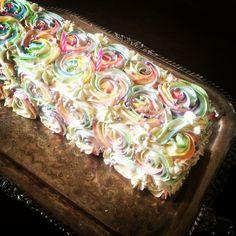 Rainbow cake with hidden surprise! #unicorncake #rainbowicing #swissmeringuebuttercream