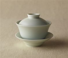 Gaiwan in Celadon Glaze Ceramic Mugs, Ceramic Pottery, Stoneware, Vintage Dog, Tea Accessories, Tea Ceremony, Wood And Metal, Tea Set, Glaze
