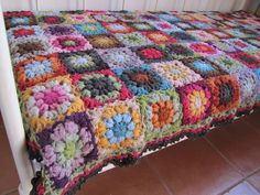 puff stitch granny square. oh my god that is beautiful!