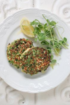 green pea fritters - the healthy chef  http://www.thehealthychef.com/2013/02/green-pea-fritters/