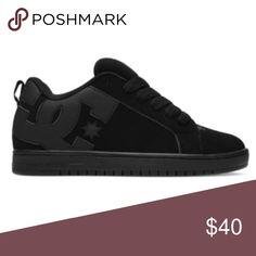 DC Shoes Court Graffik skater Black on Black 7.5 Excellent preowned  condition Court Graffik DC Skater Shoes Mens Size 7.5 Pristine condition  except for a ... eba143d584cd1
