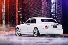 Rolls-Royce Phantom 8 Photo And Wallpaper Rolls Royce Wallpaper, Bentley Rolls Royce, Car Facts, Mercedes 300sl, Super Images, Bentley Mulsanne, Rolls Royce Phantom, Hot Bikes, Small Cars