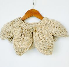 Oatmeal Knitted Leaves Collar Fashion collar by AtelierMariaBonita