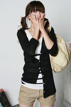 Black cardigan, stripy top (but for me with proper trousers). Korea Fashion, Japan Fashion, Khaki Skirt, Bikini Outfits, Cold Weather Outfits, Green Shorts, Black Cardigan, Fashion Looks, Fashion Tips