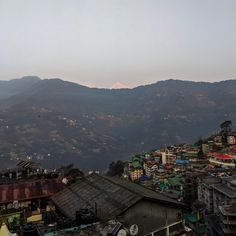 Another photo from the North East India. Gangtok Sikkim. A glimpse of Kanchenjunga amidst the fog. http://ift.tt/2FEzSYu