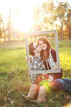 Here's another cute one. You could do this with families and all different size frames.