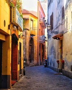 #sorrento #italy #italia #италия #naples #napoli #amalficoast #streetstyle #street #clouds #sun #awesome #photooftheday #best #amazing #art #sky #picoftheday #beautiful #color #light #sunset #like4like #followme #instadaily #day #fujifilm #travel #fuji