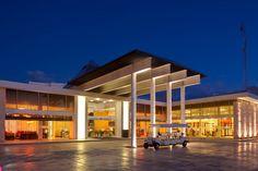 Azul Fives Hotel by Karisma. Motor Lobby.