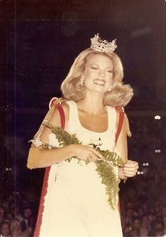 Lavinia Cox crowned Miss South Carolina 1976.  She was named first runner-up in the Miss America pageant