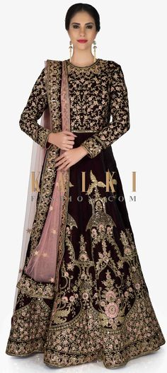 Burgundy Velvet Gown and Pink Net Dupatta with Resham, Zari and Cut Dana only on Kalki Indian Wedding Outfits, Bridal Outfits, Indian Outfits, Bridal Dresses, Choli Designs, Lehenga Designs, Full Sleeves Blouse Designs, Pakistani Gowns, Indowestern Gowns