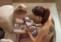 14 Raw Photos That Celebrate What Giving Birth Actually Looks Like Birth Photos, Water Birth, Intimate Photos, Raw Photo, Birth Photography, Maternity Photography, Natural Birth, Midwifery, Post Pregnancy