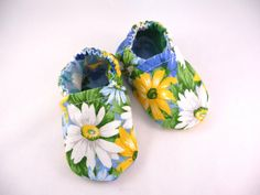 cloth baby shoesfabric shoesspring baby by CowtownCuties on Etsy, $14.00