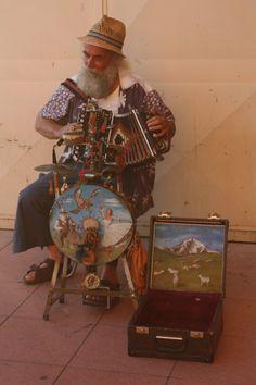 Street musician in Cagliari, Sardegna
