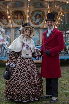 Trudy en Jos Ostendorf tijdens de 1e dag van de kerstmarkt in Lisse.