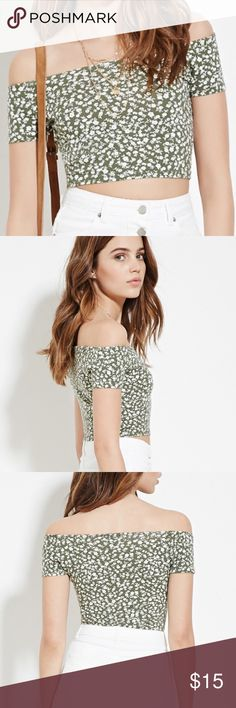 Floral Crop Top Never worn! Tops Crop Tops