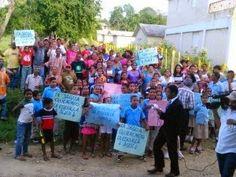 DE LA ZANJA : Comunidades de Santiago en espera de escuelas
