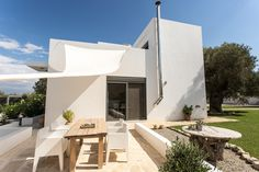 Aspro Spitaki Kreta Outdoor Furniture, Outdoor Decor, Sun Lounger, Patio, Home Decor, Cottages, Holiday, Crete, Vacation