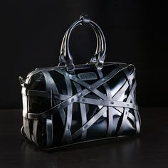 This would be a great bag to take to design meetings - easy to carry samples which can be bulky