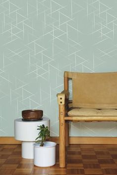 Add some personality to your home with a graphic pattern wallpaper! Smashing Wallpaper is a versatile statement wallpaper set on a soft green backdrop. Inspiration Wall, Interior Inspiration, Neutral Wallpaper, Interior Styling, Interior Design, Wooden Kitchen, New Room, Wall Colors, Furniture Makeover