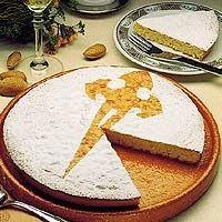 A Torta Santiago é o doce mais tradicional de Santiago de Compostela. Os peregrinos, ao concluírem o Caminho, quando chegam à cidade, têm...