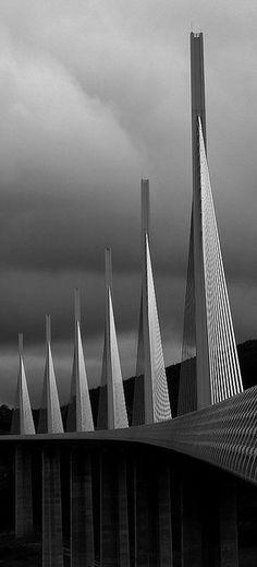 Millau Bridge – Norman Foster Viaduct.