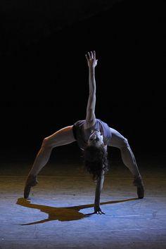 Yekaterina Kondaurova in Emil Faski's ballet Simple Things Yoga Dance, Dance Poses, Dance Art, Ballet Dance, Shall We Dance, Lets Dance, Dancers Body, Ballet Images, Ballet Companies