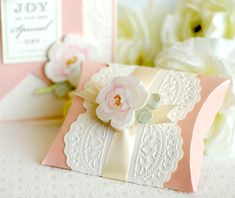 Stunning pillow box project using the Cricut Explore! http://blog.annagriffin.com/?p=339