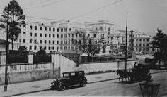 Esta imagem, assim como todas da LIFE que postarei neste álbum, são magníficas! Esta foto é do Dmitri Kessel, ano 1947. É fácil reconhecer que o prédio da foto é a Faculdade Medicina da USP, localizado na Dr. Arnaldo.