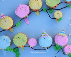 We love these sweet birdie cupcakes for a birthday party, a baby shower, or an Easter celebration.