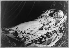 19-20世紀初頭に活動したアメリカ人女性彫刻家による「バター彫刻」。個展では融けないように氷で冷やしていたとか。From The Public Domain Review http://publicdomainreview.org/collections/the-butter-sculptures-of-caroline-s-brooks/ …