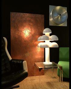 """""""Chez Hods-design #antiques #cuivre #fauteuil #armchair #raak #lampe #table #design #vintage"""" by @hodsantiquites on Instagram http://ift.tt/1TQ3Swb"""